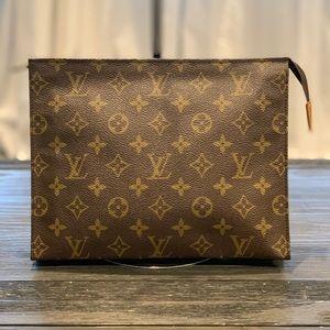 Authentic Louis Vuitton Toiletry 26 clutch bag